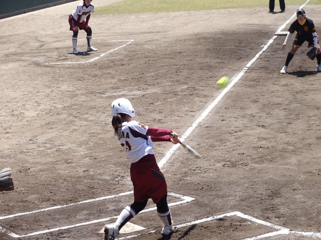 20170505_softball_game_resize1.jpg